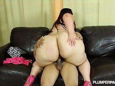 Chunky Booty BBW Victoria Secrets Twerks and Fucks Chunky Load of shit