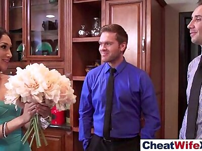 Hot Slut Wife (vicki chase) Correspondent to To Cheat In Everlasting Style Sex Not change one's mind about clip-29